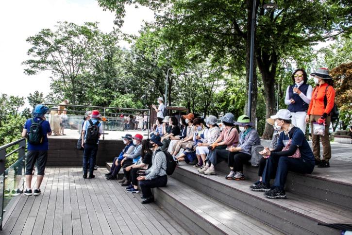 남산전망대 참가자들 2.jpg