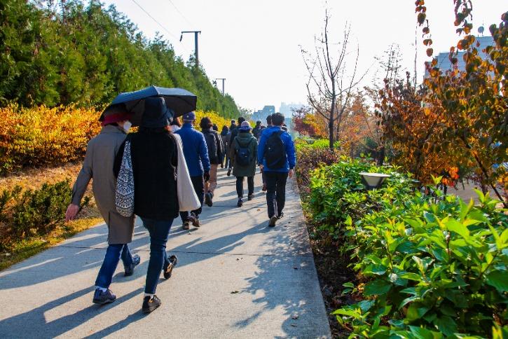연남동 경의선 숲길.jpg